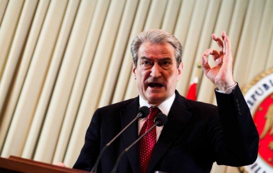 Ekskluzive / Akuzat e Sali Berishës ndaj UÇK: Bandë komuniste, marksistë, hajdutë fondesh dhe e lidhur me njerëzit e Millosheviçit, Thaçi si Enveri