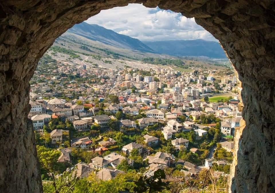"""""""Shqipëria e bukur""""! Rama promovon qytetin e gurtë"""