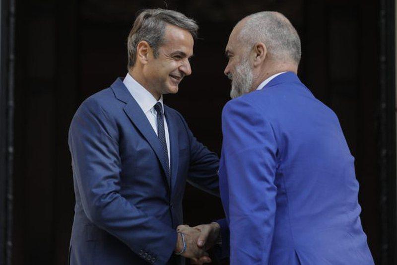 """""""Ruhuni nga 'marrëdhëniet e shkëlqyera' me Greqinë"""", diplomati i njohur shqiptar reagon pas takimit të Ramës me Mitsotakis dhe lëshon paralajmërimin e rëndësishëm"""