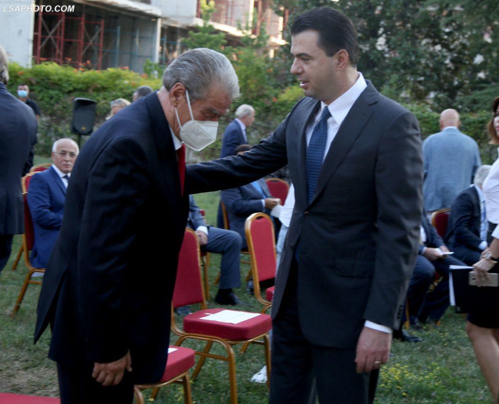 """Leksioni etik """"Izetbegoviç"""" dhe """"palaçoja"""" i Bashës"""