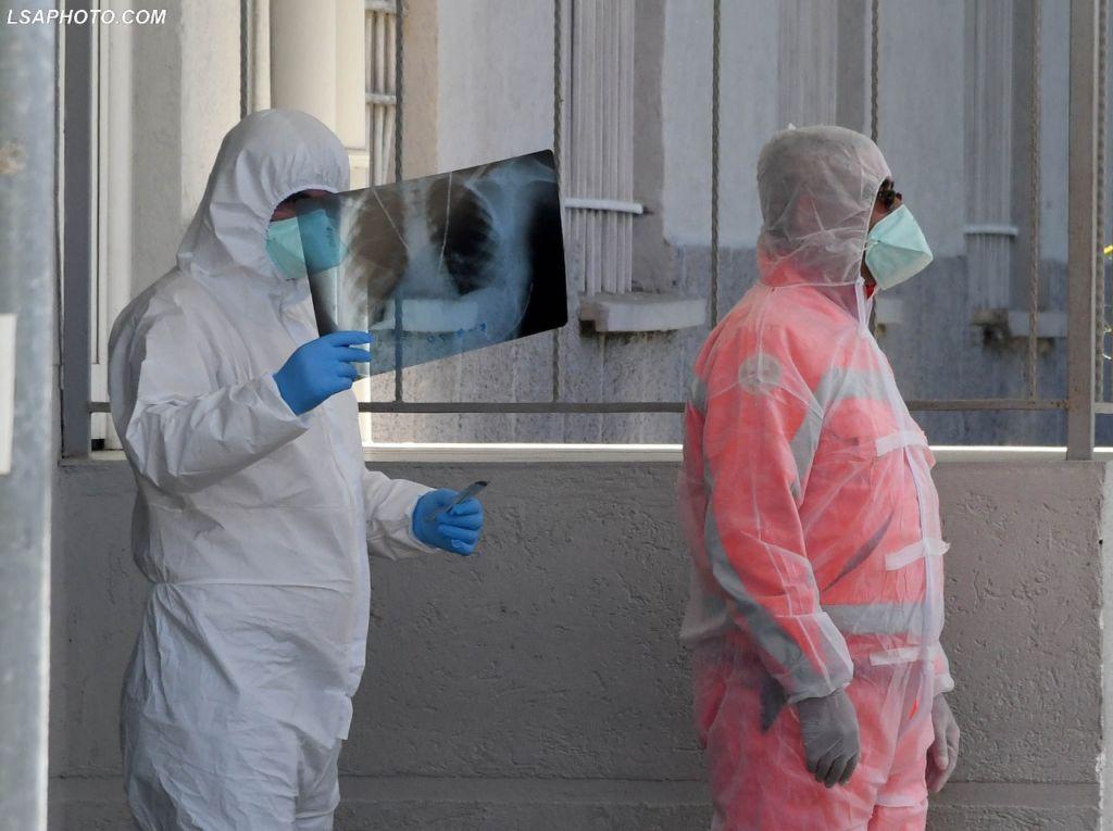 Mjeku i njohur: Përdorimi i antibiotikut kundër Covid i rrezikshëm, ja çfarë duhet të merrni