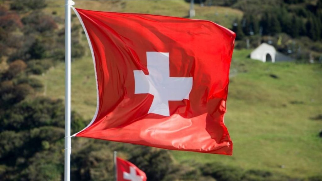Zvicra, shteti ku masat anti-Covid nuk diskutohen në rrjetet sociale, por me referendum