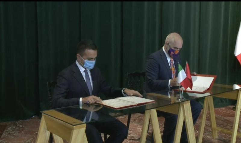 """""""Nuk jam i zoti që të flas shqip si kryeministri"""", ministri italian Luigi Di Maio dhe Rama shkëmbejnë batuta: Një shqipe perfekte me dialekt napolitan!"""