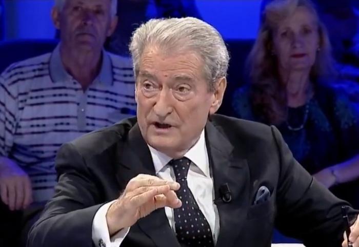 Gazetari nga Kosova: Analistët e Tiranës që shesin por**ë sikur jetojnë në Nju Jork, të mos tallen me Bellanicën e UÇK por me Bashën. Berisha e di mirë se çfarë kanë punuar Luli e Argita
