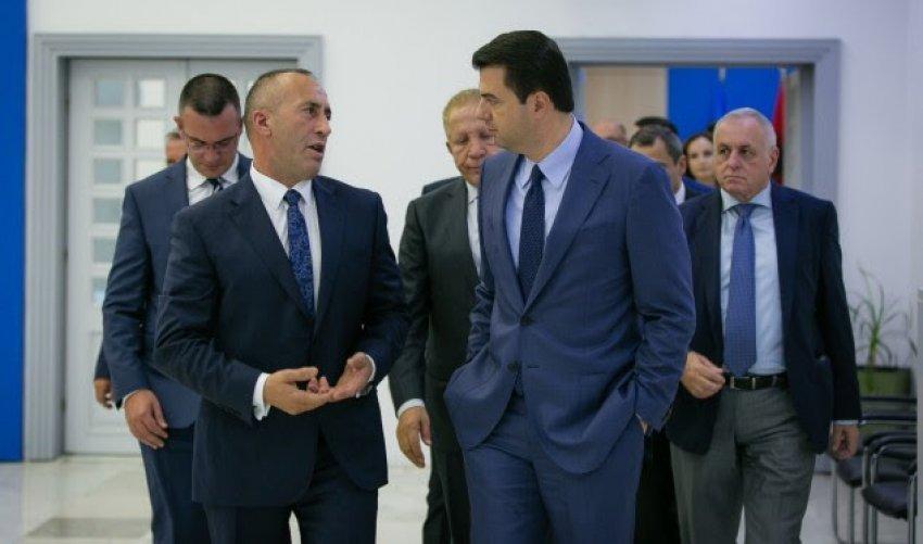 """""""Cicërima"""" e Hagës Ramush Haradinaj nue mbrojtje të Bashës: S'ka mundësi dikush t'ia fshehë kasetën Amerikës e Berlinit! Janë pallavra për të na dobësuar…spiunët!"""