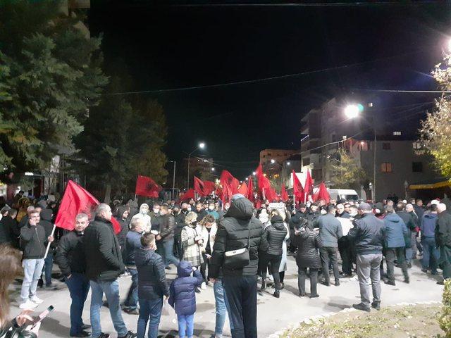 Edhe në Liushnje dhe Cerrik miltantët e PD-LSI-së protestuan gjoja për Klodianin por…paqësisht!