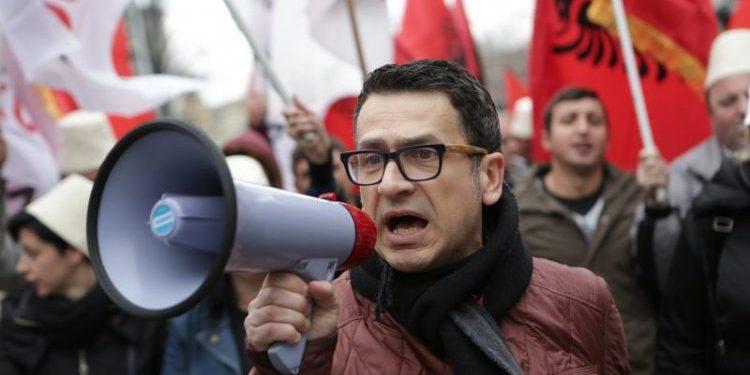 """""""Mallëngjyese""""! Kreshnik Spahiu publikon foton dhe tregon çfarë i ndodhi 9 vite më parë me 17 Janar"""